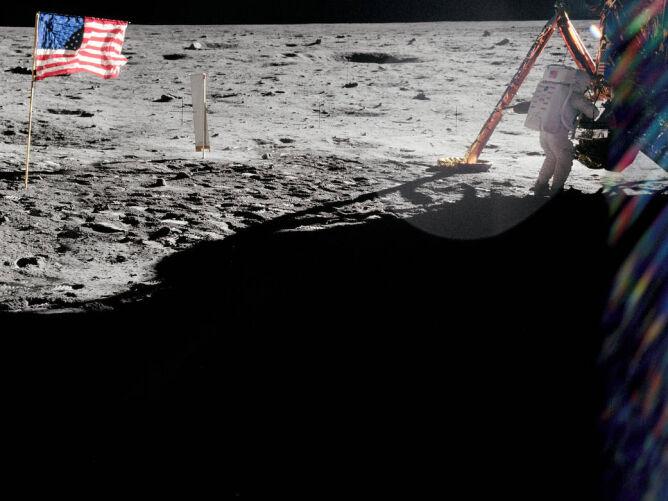 Neil Armstrong na Księżycu (1969) (NASA)