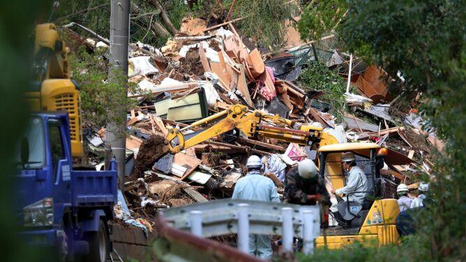 Ulewy i lawiny błotne w Japonii. <br />Zniszczone domy, są zabici